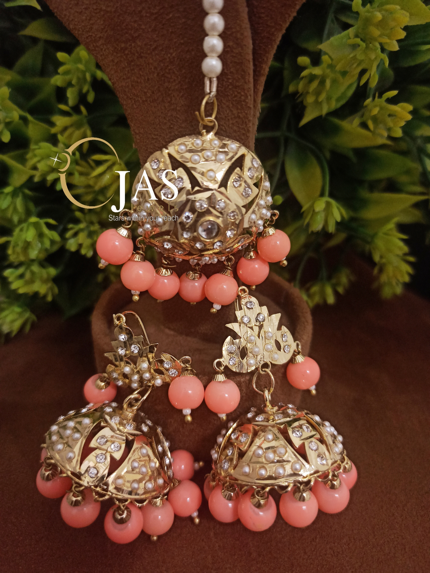 Beautiful Jadau Jhumka with Maangtika