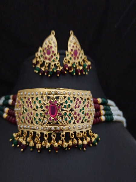 Lovely Jadau Choker Set
