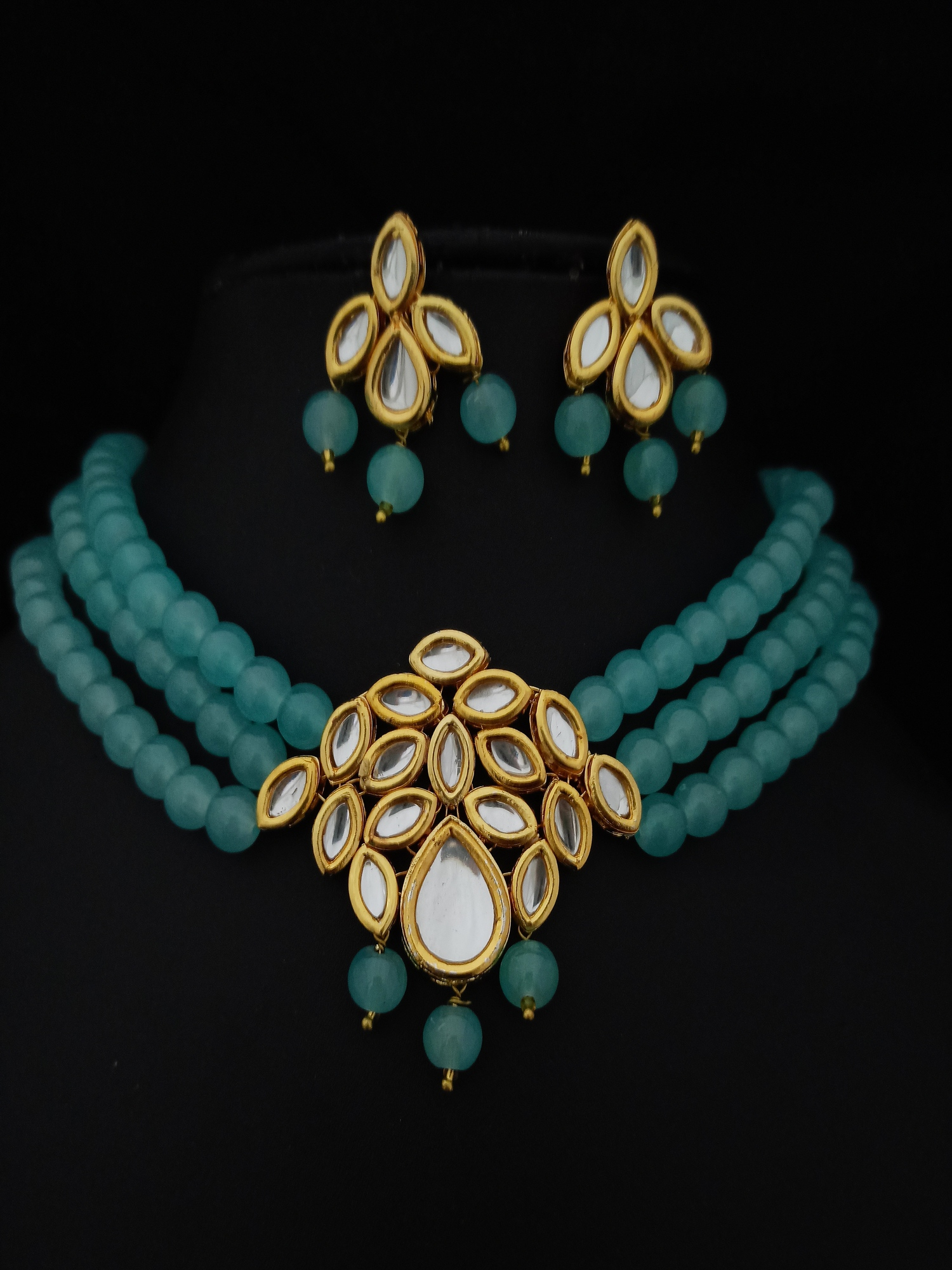 Beautiful  Kundan Choker set