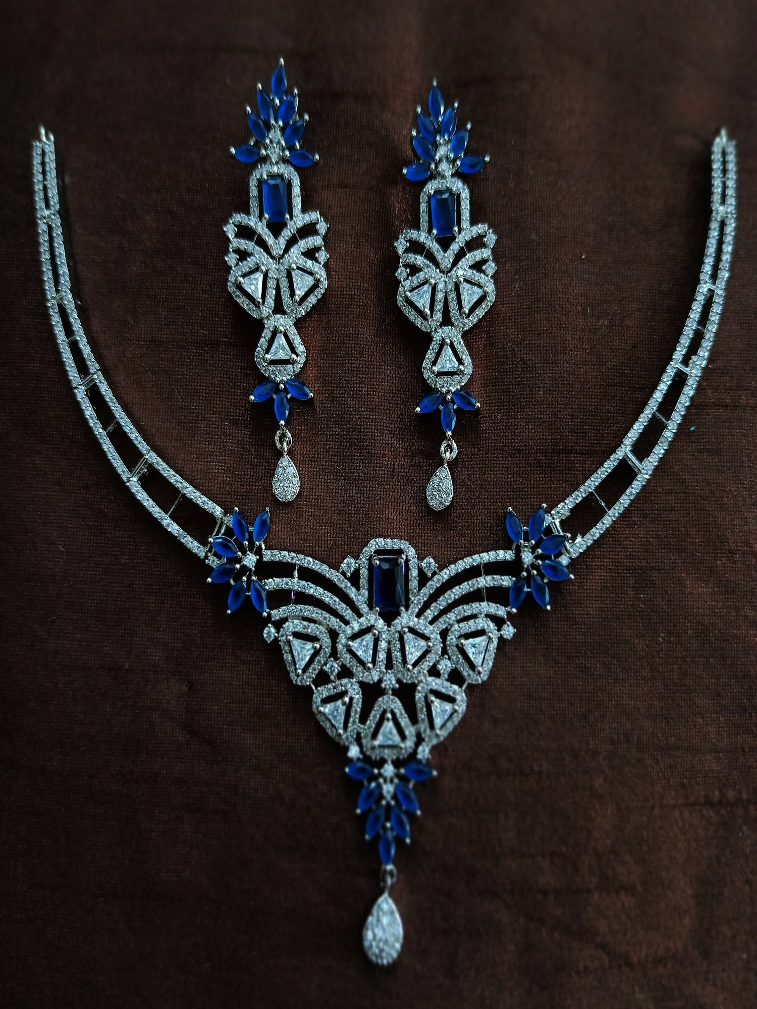 Blooming blue Necklace set