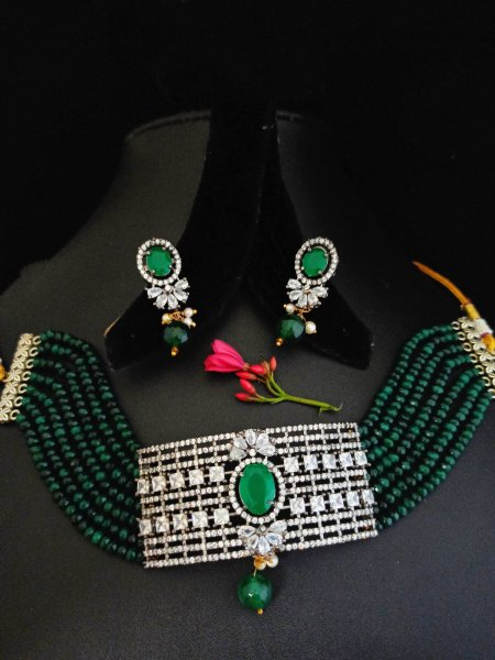 Beautiful Choker Set